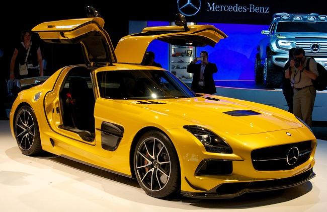 Современный Mercedes-Benz