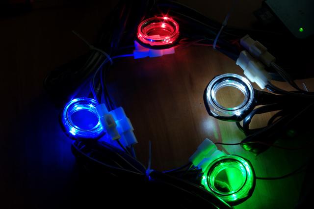 Различные цвета подсветки замка зажигания