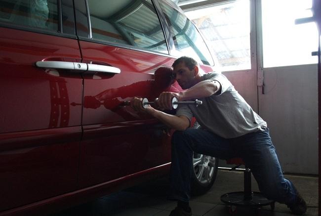 Ремонт вмятины машины без покраски