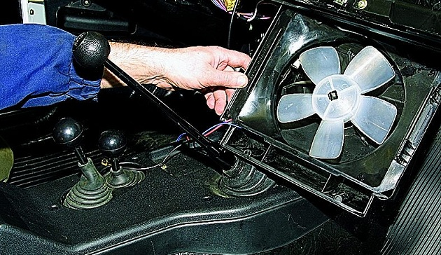 Замена вентилятора отопителя