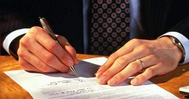 При оформлении автокредита следует внимательно прочитать все пункты договора