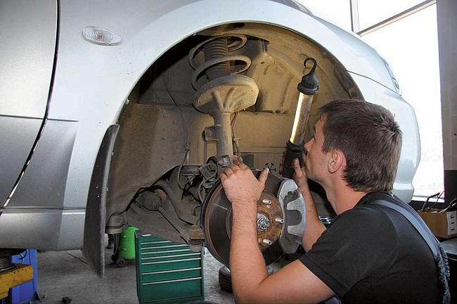 Замена амортизаторов для повышения мягкости подвески