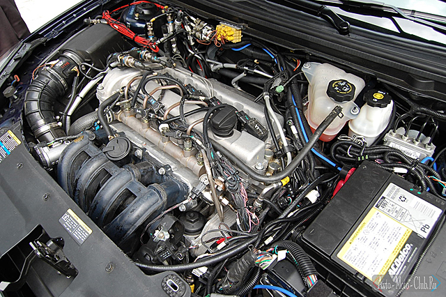 Автомобильный инжекторный двигатель