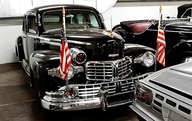 Калифорнийский  автомобильный музей Петерсона