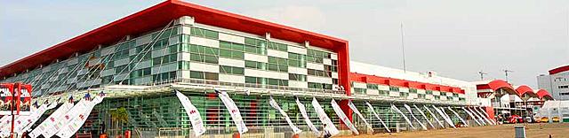 Здание Jakarta International Expo в Джакарте