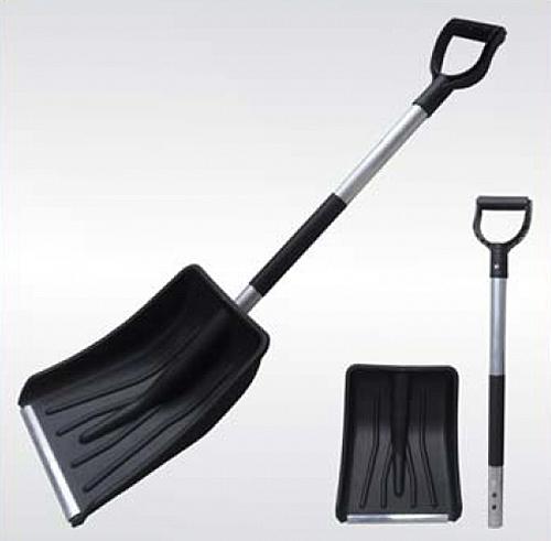 Пластиковая лопата с металлической ручкой