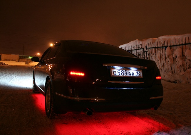 Подсветка номера авто эффектно выглядит в темное время суток