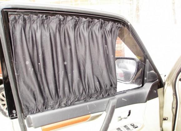 Шторки из ткани для автомобиля