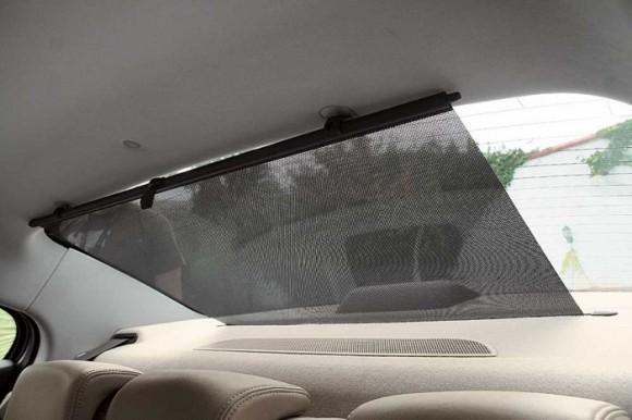 Выдвижная шторка на заднее стекло автомобиля