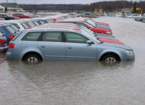 Автомобили при наводнении