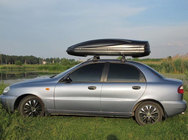 Багажник на крыше влияет на аэродинамику, а соответственно и на расход топлива