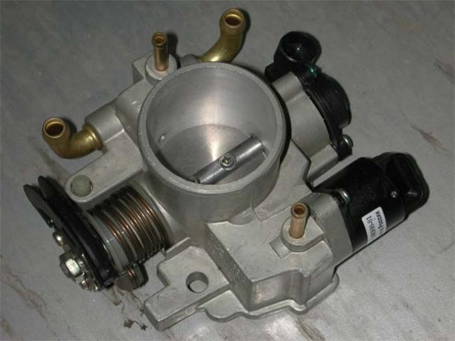 Замена датчика дроссельной заслонки на новый стоит намного меньше чем ремонт двигателя, к которому может привести такая поломка