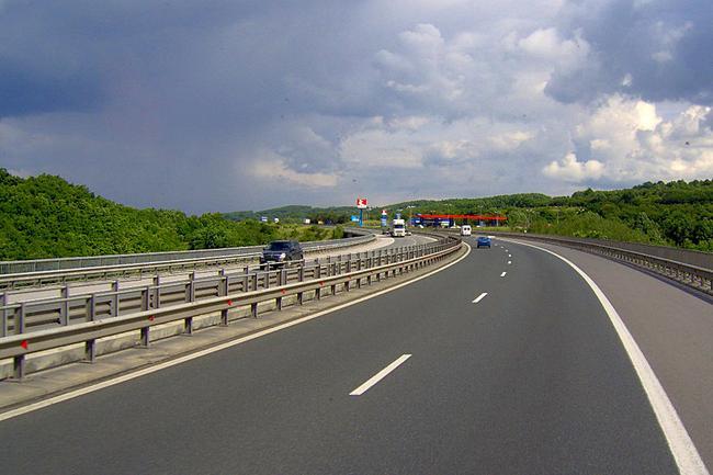 В отличие от Европы, в России строительство дороги стоит в несколько раз дороже