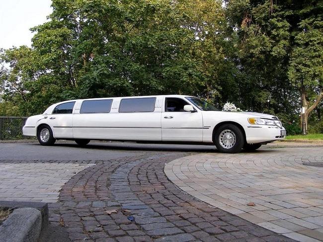Лимузин на семейное торжество
