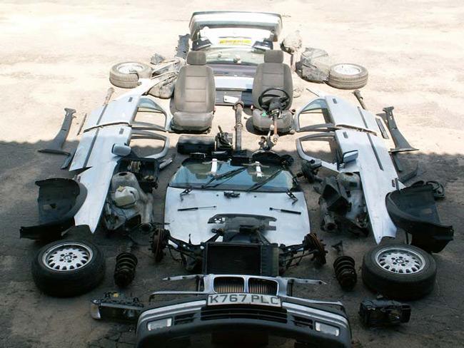 Авто-конструктор приходит в разобранном виде