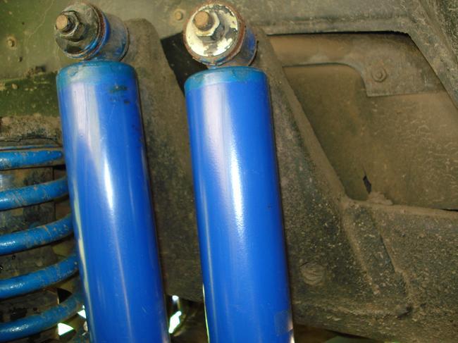 Устанавливать двойные амортизаторы следует в соответствии с рекомендациями атопроизводителя