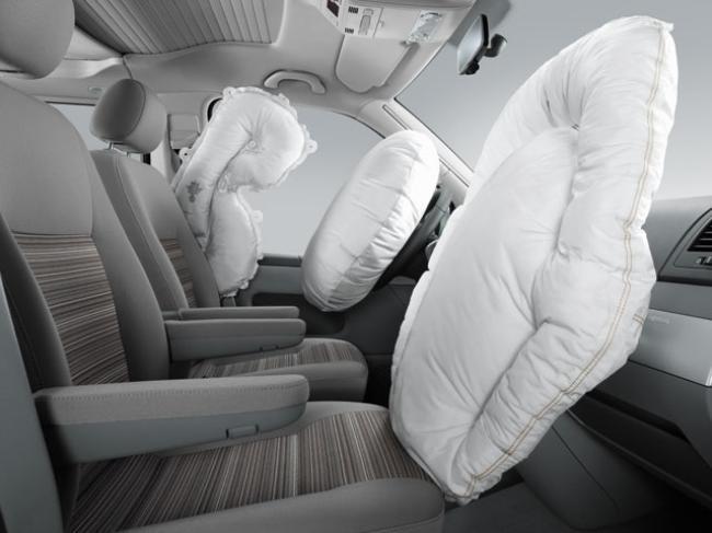 К пассивным системам безопасности относятся подушки безопасности
