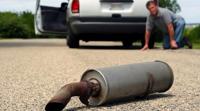 Своевременный ремонт глушителя позволит избежать более существенных затрат