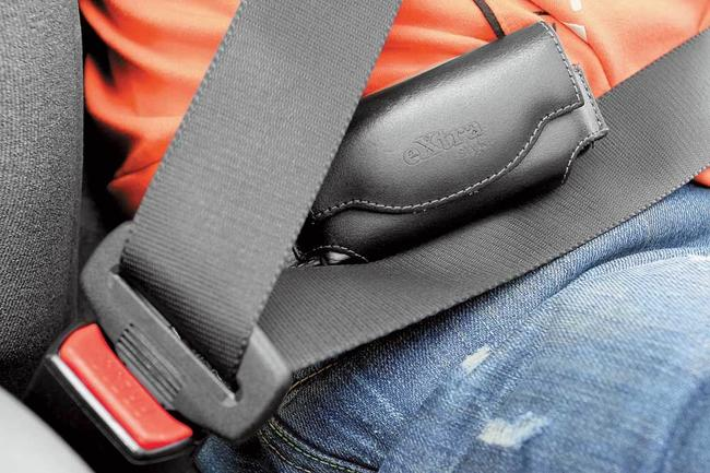 Если в вашей машине есть AIRBAG, то ремнями безопасности пользоваться стоит обязательно
