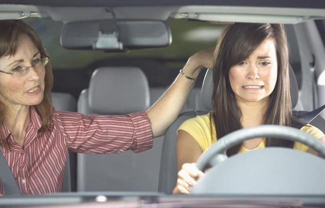 Постоянные советы во время вождения от родственников очень раздражают