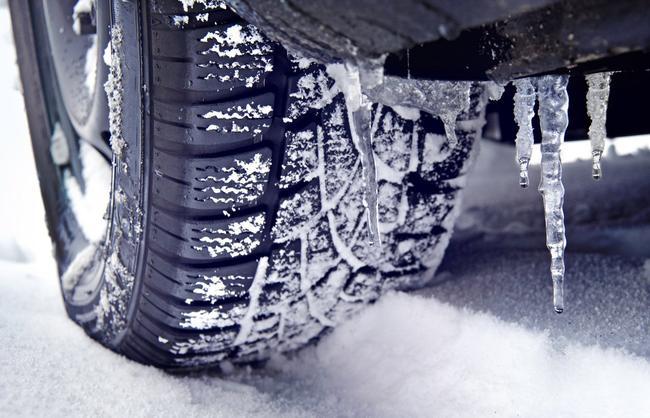 """Суровые снежные зимы требуют соответствующей """"обувки"""" для авто"""