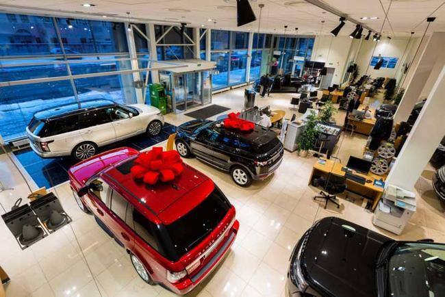 В канун Нового Года к каждому новому авто возможны подарки