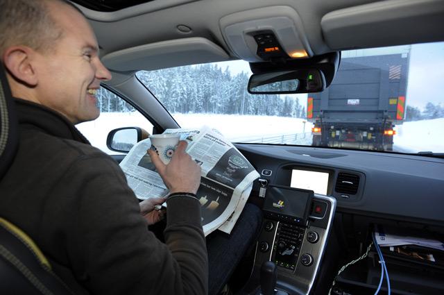 В автомобиле с автопилотом у водителя появится уйма свободного времени