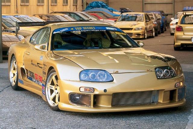 Автомобиль Toyota Supra