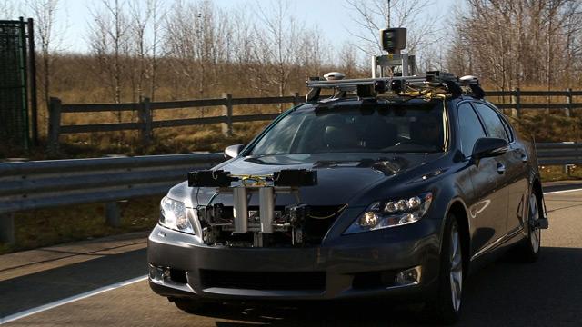 В Toyota уже создали прототип автомобиля с автопилотом