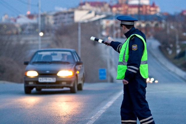 Отсутствие необходимых документов у водителя может стать причиной неприятностей при встрече с работниками ДПС