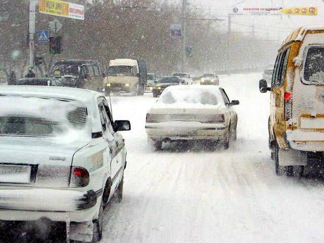 Особенности управления автомобилям в зимний период