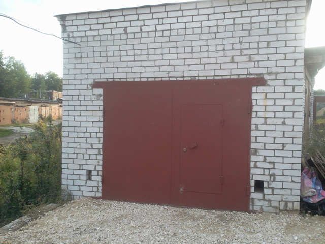 Кирпичный гараж – самый надёжный вариант