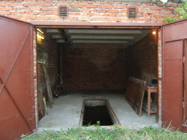 Желательно, чтобы в гараже была яма