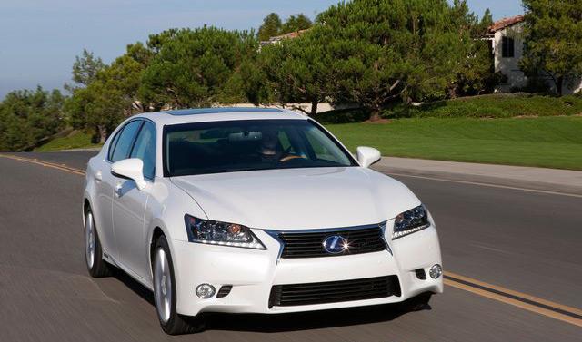 Некоторые гибридные автомобили не уступают по мощности бензиновым аналогам