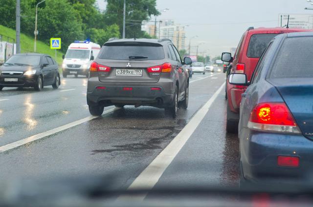 Агрессор при возможности пренебрегает правилами дорожного движения