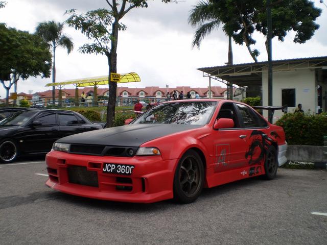 Автомобиль Nissan Cefiro A 31 приобрёл популярность в дрифте благодаря своему мощному двигателю
