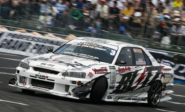 Автомобиль Nissan Skyline можно часто увидеть на различных чемпионатах