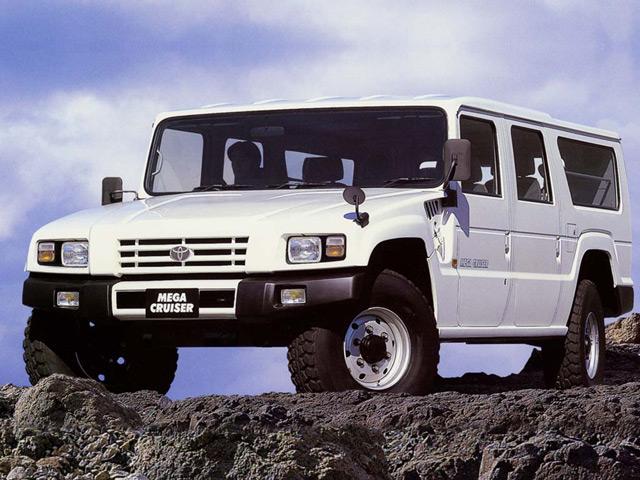 Toyota Mega Cruiser изначально сконструирован для военных нужд