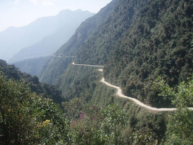 Норт—Юнгас—Роуд - самая опасная дорога в мире