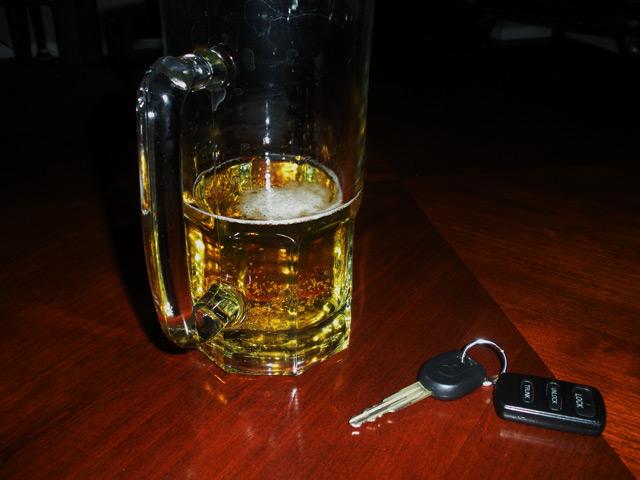 Вождение в нетрезвом виде длительное время является самой распространённой причиной автомобильных аварий в мире