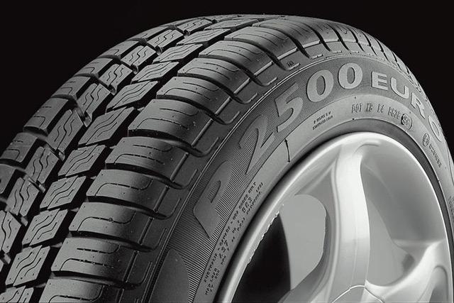 Некоторые водители предпочитают обходиться без сменырезины каждый сезон, используя всесезонные шины