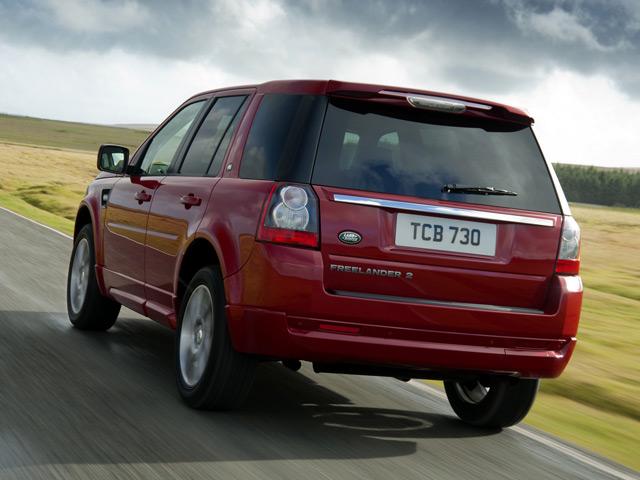 АвтомобильLand Rover Freelander 2 сзади