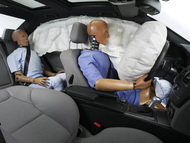 Подушка и ремень безопасности дополняют друг друга