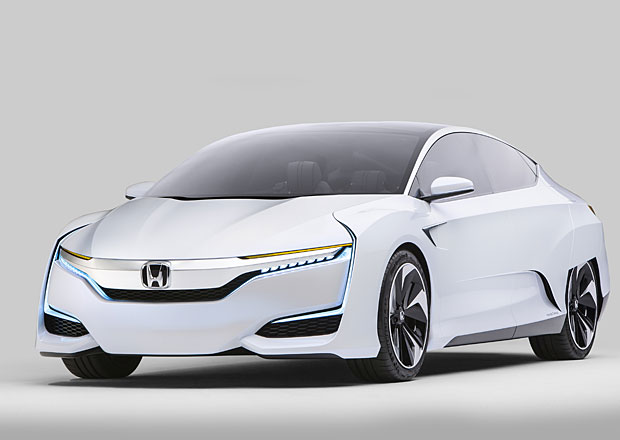 Honda FCV белого цвета