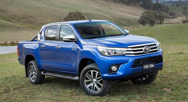 Первые фото Toyota Hilux 2016