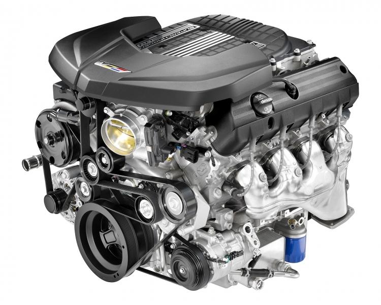 8-цилиндровый двигатель с рабочим объёмом 6,2 литра