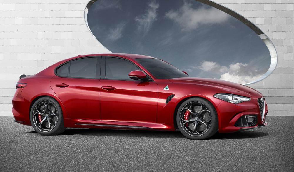 Alfa Romeo Giulia: вид сбоку