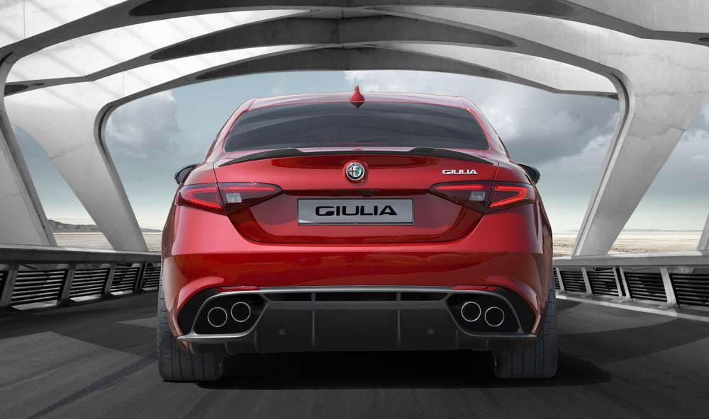 Alfa Romeo Giulia: вид сзади
