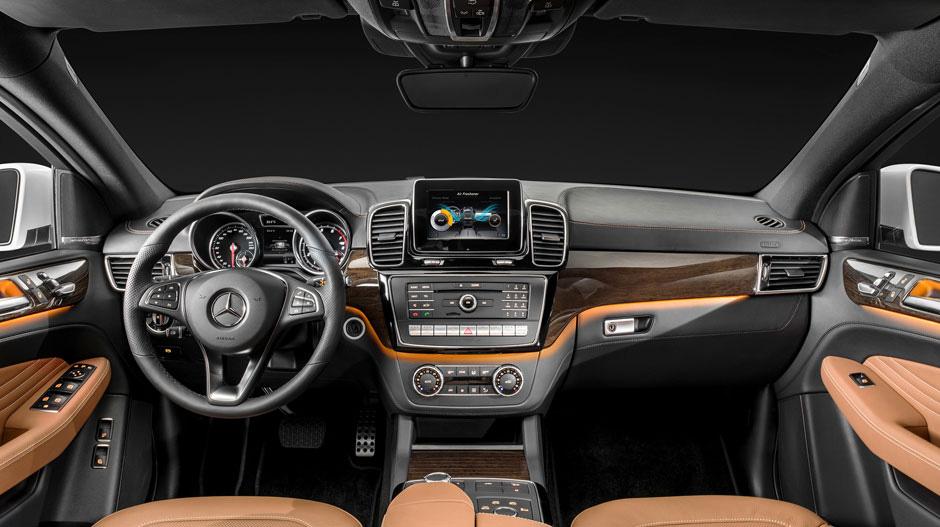 Интерьер кроссовера напоминает Mercedes M-Class