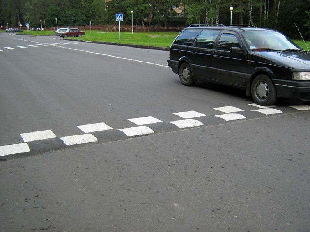 С патентованным изобретением Hyundai можно пересекать принудительный замедлитель скорости комфортно